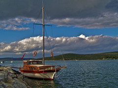 Alone (Metin Canbalaban) Tags: voyage trip travel cloud turkey boat trkiye izmir bulut turkie metincanbalaban