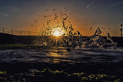 Dawn Breaking (@bill_11) Tags: dawn sunrise ramsgate kent waves breaking light canon powershot g7xmkii spray foam