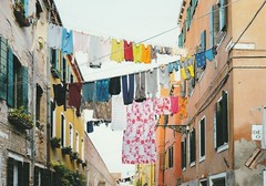 Clotheslines (Tweeling17) Tags: clotheslines clotheslinewithlaundry