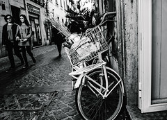 premium luster_40x30_05.jpg (the imageplayer) Tags: monochrome blackandwhite bw street rome vacation people bycicle bike decoration
