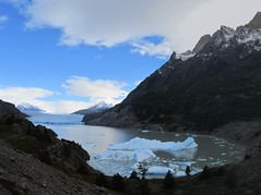 "Torres del Paine: trek du W. Jour 5: le glacier Grey. <a style=""margin-left:10px; font-size:0.8em;"" href=""http://www.flickr.com/photos/127723101@N04/30181009501/"" target=""_blank"">@flickr</a>"
