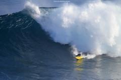 IMG_1753 copy (Aaron Lynton) Tags: surfing lyntonproductions canon 7d maui hawaii surf peahi jaws wsl big wave xxl