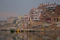 Varanasi, Ganges river (Jorge del Amo Mazaro) Tags: varanasi ganges india river sunrise dark sacred hindi