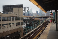 7 train arrival at Queensboro Plaza (nicknormal) Tags: 7 7subway 7train longislandcity queens subway train