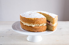 L1024129 (Hobbs House Bakery) Tags: hhb cakes wholesale victoria sponge