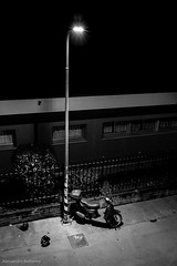 Milano (Alessandro Berbenni) Tags: flickr instagram milano notte street urban blackandwhite bw milan city dark streetlight