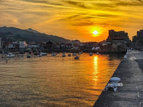 El puerto de Castro Urdiales, Cantabria.