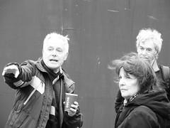 John Constable, cross bones cemetery (P'ptje) Tags: street blackandwhite news celebrity london tv linden southbank tele writer publicity johnconstable inthepubliceye publiceye crossbonescemetery