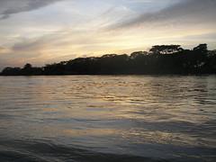 Hermosa Aurora (Picturezeleon) Tags: sun nature water rio sunrise river landscape photo foto natural picture paisaje amanecer photograph aurora fotografia fotodepaisaje