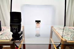 Modern Muse Chic setup (svickruck) Tags: perfume setup chic product esteelauder modernmuse brightfield setupshot strobist 1100d lightsciencemagic canon430exii canoneosrebelt3 yongnuoyn568exii yongnuoyn622ctx