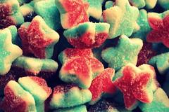 Sotto una piccola stella (angelapupillo) Tags: stelle feste bancarelle dolcezze