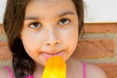 Picolé (amanda.emiliano) Tags: sol brasil happy laranja sp gilr garota verão feliz menina doce quente calor picolé colordo felz