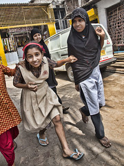 HL8A1633 (deepchi1) Tags: india hijab bombay mumbai niqab slums