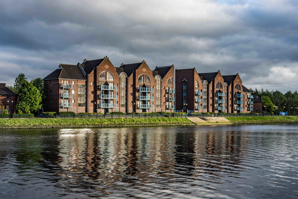 A WALK ALONG THE LAGAN TOWPATH [BELFAST]-108985