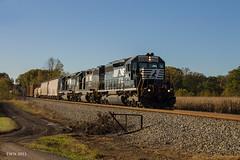 NS 370 at Halls (travisnewman100) Tags: train georgia high nw ns norfolk southern hood hh local division sou freight cr manifest gp382 sd402