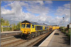 66744 Leamington Spa (Jason 87030) Tags: camera light sky people sign flesh clouds photoshop canon bench newspaper october shed platform sunny scene cargo geeks locomotive boxes zombies freight engineers westbury 2015 class66 walkingdead gbrf 66744 6m40 cliffhillstudfarm