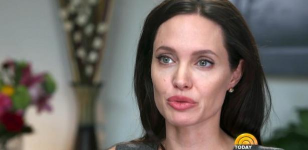 Angelina Jolie diz que retirou os ovários com mesma médica da mãe