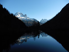 Ombres et reflets Chamonix Mont Blanc Shadow and reflection (CHAM BT) Tags: blue light shadow mountain lake snow black france water montagne alpes eau noir lac ombre bleu reflet lumiere neige chamonix hautesavoie allnaturesparadise