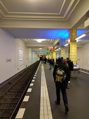 U-Bahnhof Friedrichstrae (Pascal Volk) Tags: berlin station underground subway metro ubahn berlinmitte rapidtransit huaweinexus6p