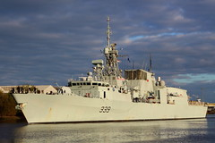 HMCS Charlottetown (339) (Fraser Murdoch) Tags: hnlms karel doorman bns leopold 1 hmcs charlottetown f930 339 belgium marine component belgian armed forces royal canadian navy halifax class river clyde glasgow renfrew ferry kgv peel ports scotland nato exercise joint warrior 162 16 2 2016 warship war vessel ship west fraser murdoch photography canon eos 650d braehead