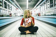 Crazy for cereals (Leo Hidalgo (@yompyz)) Tags: canon eos 6d dslr reflex yompyz ileohidalgo fotografa photography vsco france amiens travel viaje francia portrait girl blonde