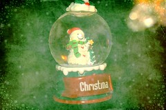 Small Snow Globe With Snowman Christmas Textured 001 (Chrisser) Tags: christmas decorations decoration snowmen snowman snowglobes snowglobe ontario canada canoneosrebelt1i canonefs60mmf28macrousmprimelens specialholidays backgroundfromparee pareeericastextureextravaganza ipiccy itsanaddiction
