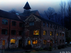The lights come on as darkness descends (Row 17) Tags: uk unitedkingdom gb greatbritain britain england shropshire coalport telford youthhostel cafe cafes buildings building architecture heritagesite heritage historicsite historic night evening autumn worldheritagesite urban town severnvalley
