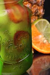 Frescura Frutal (José Ramón de Lothlórien) Tags: producto tarro vidrio frutal jasonjar cold freeze fresco fío piña naranja fresa anfora