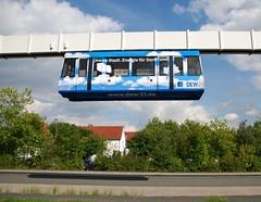 Technische Universitt Dortmund 25.08.2010 (The STB) Tags: siemens dortmund hbahn suspendedrailway hngebahn tudortmund technischeuniversittdortmund siemenspeoplemover trencolgante sipem haningrailway