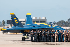Blue Angel pre flight brief (SBGrad) Tags: usmc nikon airshow nikkor f18 blueangels usnavy 2015 alr mcasmiramar tc17eii 300mmf28dii d300s camera:make=nikoncorporation exif:make=nikoncorporation exif:lens=3000mmf28 camera:model=nikond300s exif:model=nikond300s exif:aperture=ƒ63 exif:isospeed=200 exif:focallength=500mm