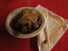 Hhnchenleber mit Zwiebeln (auf dem Osnabrcker Weihnachtsmarkt) (multipel_bleiben) Tags: weihnachten essen gastronomie geflgel pfannengericht