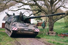 "Panzerhaubitze 2000  3 • <a style=""font-size:0.8em;"" href=""http://www.flickr.com/photos/81723459@N04/23515899119/"" target=""_blank"">View on Flickr</a>"
