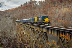 Copper Creek (Peyton Gupton) Tags: csx clinchfield santa train copper creek