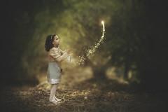 Liberando sueos (David Bokeh) Tags: pixie fairy hada bosque fantasy portrait child girl retrato