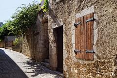 Vieilles rues de DIE 26150 France (elborma) Tags: die vieille rue maison murs pavée