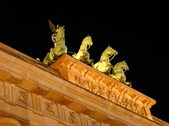 Quadriga sculpture (Sparky the Neon Cat) Tags: europe germany deutschland berlin mitte brandenburg gate brandenburger tor neoclassical quadriga sculpture chariot night