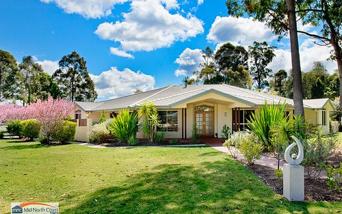 39 Lakeside Way, Lake Cathie NSW 2445