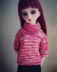 However, it IS a nice change to constant top-down-raglan #dimodelia #bjdknitting #knitting #knitsagram #msd #bjd (pinkeeminenz) Tags: sierra dim odelia bjdknitting bjd msd