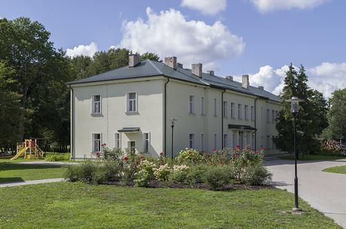 Stirnienes pamatskola un tautas nams (bij. Stirnienes muižas vistu kūts, 1866), 17.08.2014.