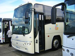 Alfa PN06 KJZ (quicksilver coaches) Tags: volvo b12b plaxton paragon alfa euxton pn06kjz duxford showbus