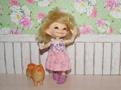 IMG_6008 (cat-soft paws) Tags: red lilac  dog spitz  joy beads summer outfit shoes realpuki       indoor handmade people    sundress flowers friends  sandals leather  soso