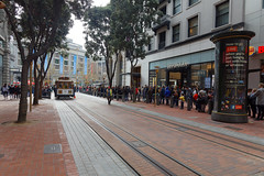 Long Line On Black Friday (dcstep) Tags: allrightsreserved copyright2016davidcstephens dxoopticspro112 canon5dsr ef25105mmf4lis handheld sanfrancisco ca california usa f4a0494dxo blackfriday powell streetcar