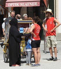 meeting (derpunk) Tags: girls salzburg sport austria women hijab culture meeting meet burka aplacewhereculturesmeet
