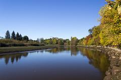 Au fil de l'eau (POStaes) Tags: autumn water colors st canon river eos quebec charles t3i 600d