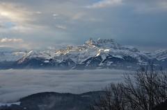 Dents du Midi au-dessus des nuages (CH) (Annelise LE BIAN) Tags: sunshine montagne suisse bleu damn blanc paysages dentsdumidi leysin coth supershot fabuleuse alittlebeauty fantasticnaturegroup coth5 neigeetglace sunrays5