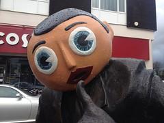 Frank Sidebottom statue (Ulleskelf) Tags: sculpture statue manchester bobbins timperley franksidebottom