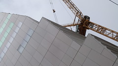 A11779 / new wing of sfmoma akimbo (janeland) Tags: sanfrancisco california architecture crane diagonal underconstruction akimbo howardstreet sanfranciscomuseumofmodernart snhetta 94105 sooc noncoloursincolour