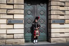 high court of judice (aprilpix) Tags: edinburgh streetscene scotland architecture bagpipes aprilpix