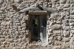 IMG_0403 Forgotten door (jaro-es) Tags: canon espaa eos70d spanien spain spanelsko verlassen vergessen alt old dvee tr puerta door