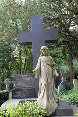 DSCF2631 (amajamus) Tags: highgatecemetery victorian magnificentseven death cemetery historical